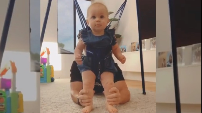 Watch: David Warner making his ten-month-old Daughter dance