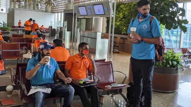 Bhuvneshwar Kumar with Ishant Sharma and Mohit Sharma at MumbaI Airport