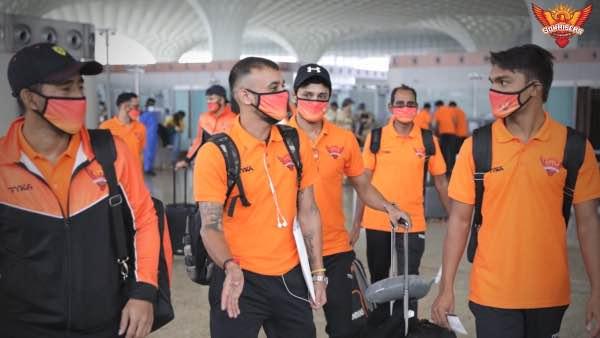 Wriddhiman Saha, Siddharth Kaul, Shahbaz Nadeem and Sandeep Sharma at Mumbai Airport before departure