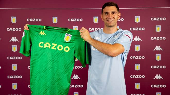 Aston Villa sign Arsenal goalkeeper Emiliano Martinez