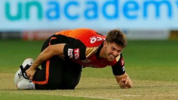 IPL 2020: SRH all-rounder Mitchell Marsh hobbles off the field due to ankle injury