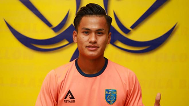 Kerala Blasters FC extends contract with young midfielder Jeakson Singh Thounaojam
