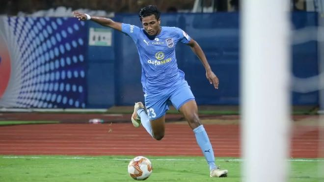 ISL: Vignesh Dakshinamurthy sign a new four-year contract extension with Mumbai City FC