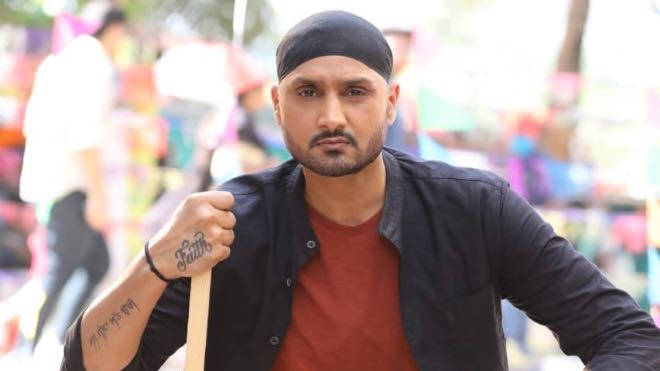 Harbhajan Singh issues 'heartfelt apology' to fans after posting image of militant